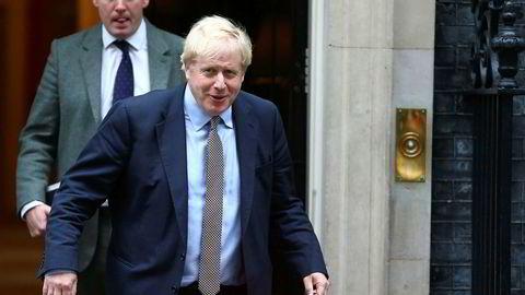 Statsminister Boris Johnson stiller betingelser før et nyvalg 12. desember. Men han må gii seg på løftene om brexit innen utgangen av måneden.