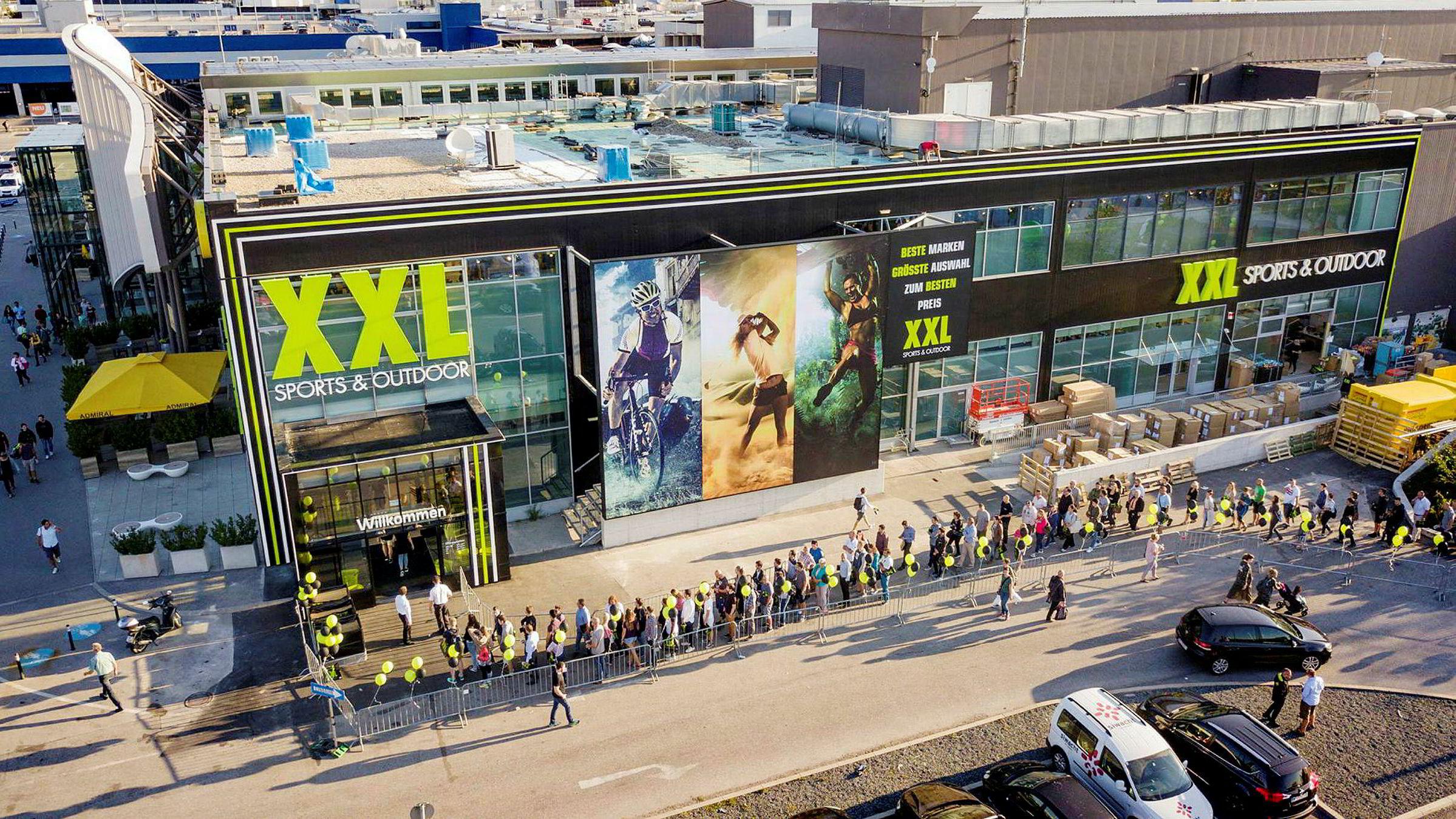 XXL er full gang med å legge Østerrike under seg. Her fra åpningen av XXLs første varehus utenfor Wien tidligere i høst.