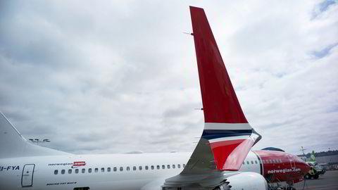 Norwegian var blant flyselskapene som satset hardt på Boeings 737 Max, flytypen som startet krisen Boeing fortsatt sliter med å kjempe seg ut av. Nå kjemper flyprodusenten for sin eksistens.