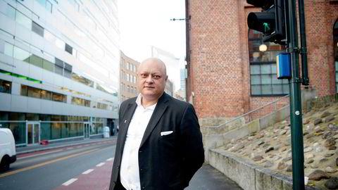 – På bakgrunn av all eksisterende empiri bør tilsynsmyndighetene ta stilling til om det er brudd på god forretningsskikk å anbefale dyre fond uten dokumenterbar meravkastning, sier fagdirektør Jorge Jensen i Forbrukerrådet.