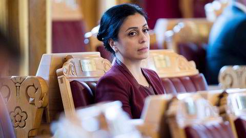 Arbeiderpartiets finanspolitiske talsperson Hadia Tajik og leder i Fellesforbundet Jørn Eggum vil ha oppsigelses- og utbytteforbud for bedrifter som skal motta støtte fra den nye statlige kriseordningen.