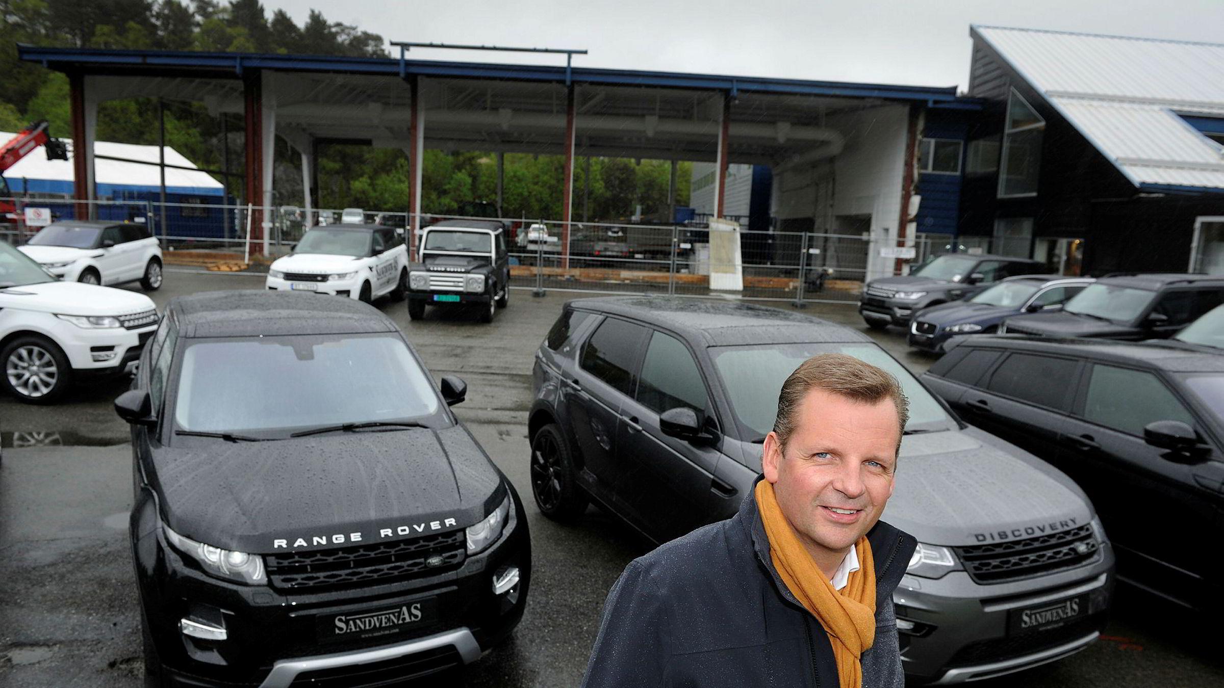 Elbilskiftet har reddet Trond Sandvens bilkonsern. Nå satser han tungt på salg av Range Rover og Jaguars nye elbil I-pace.