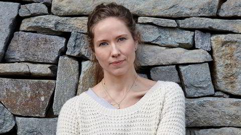 Hanna Dahl imponerte stort da hun debuterte med novellesamlingen «Rønneimperiet» i 2015. «Makt» er hennes første roman, veldig interessant og samtidig litt vrien å få tak på, ifølge DNs anmelder.