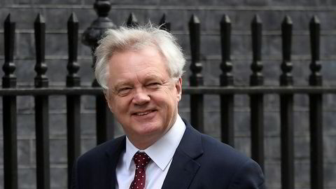 Brexitminister David Davies melder om fremgang i forhandlingene.