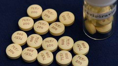 Det japanske medikamentet favipiravir, som markedsføres under navnet Avigan, er et godkjent legemiddel i Japan og Kina til behandling av influensa.