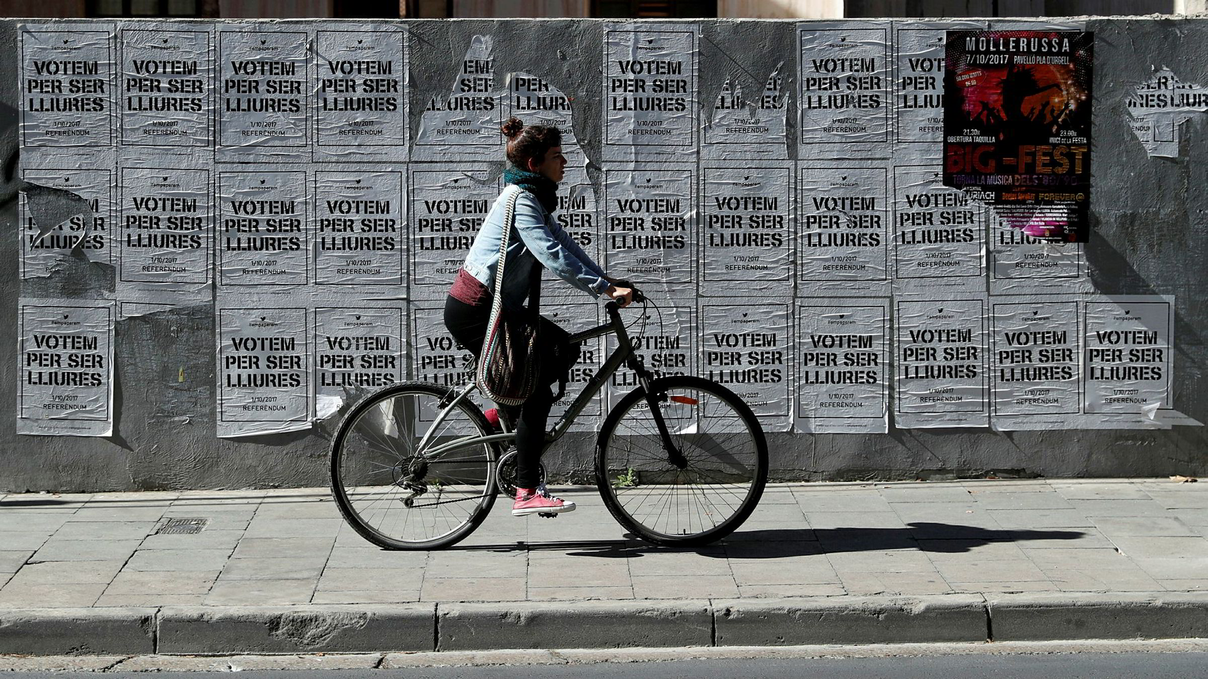 «Stem for å bli fri», står det på plakatene. Men katalanernes frihetstrang møter ingen sympati i de europeiske hovedstedene.