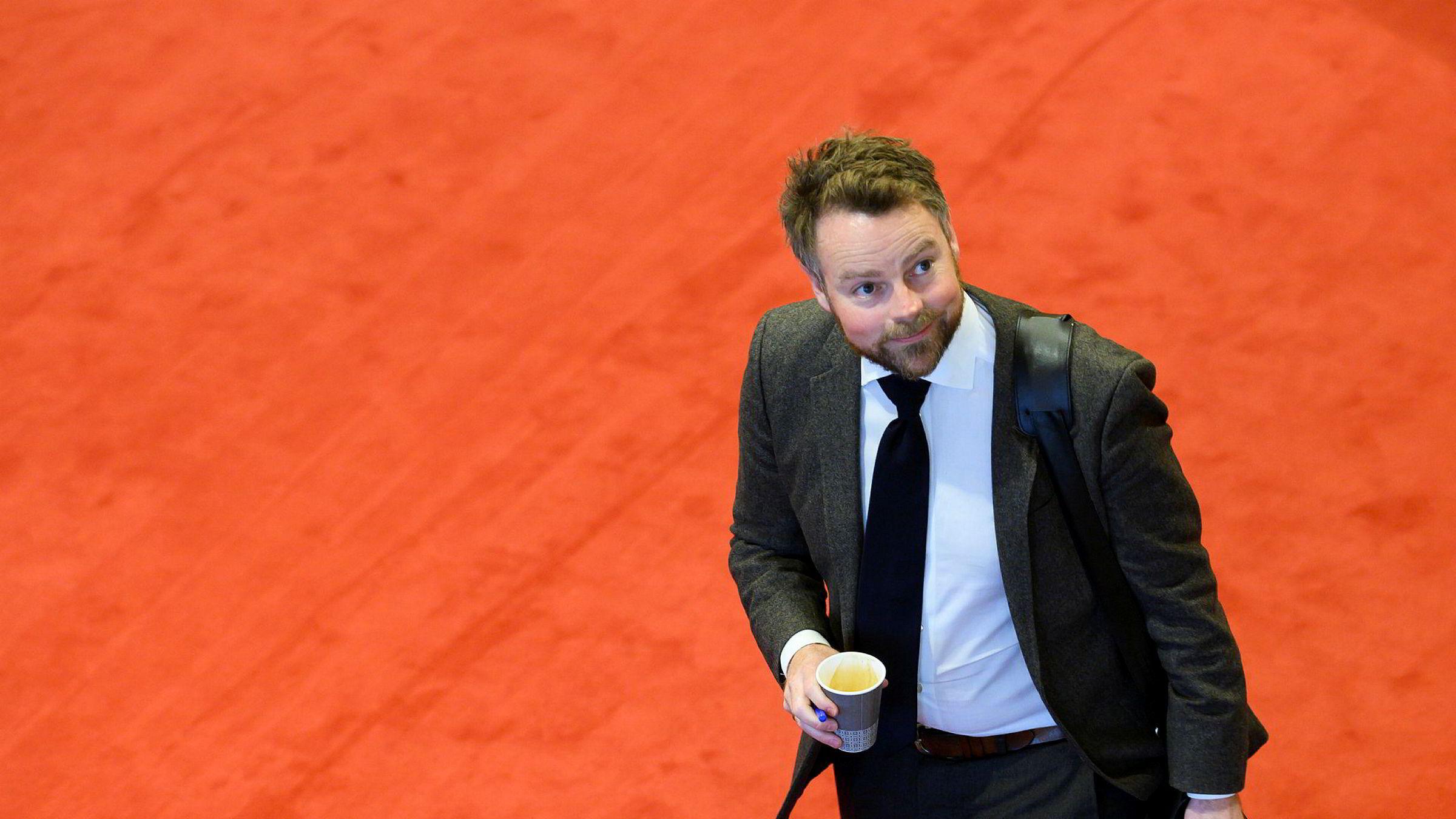 Næringsminister Torbjørn Røe Isaksen reagerer på dagens pressekonferanse.