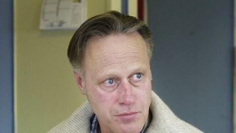 Tom Hagen løslates.