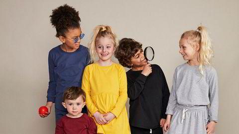 Kjønnsnøytralt. – Jeg vil at våre barn skal kunne kle seg i det de selv ønsker, uten at noen skal diktere hva som er gutte- eller jenteklær. Tøy lar klær være klær og barn være barn, sier Colleen Christiansen, som står bak det nystartede klesmerket.