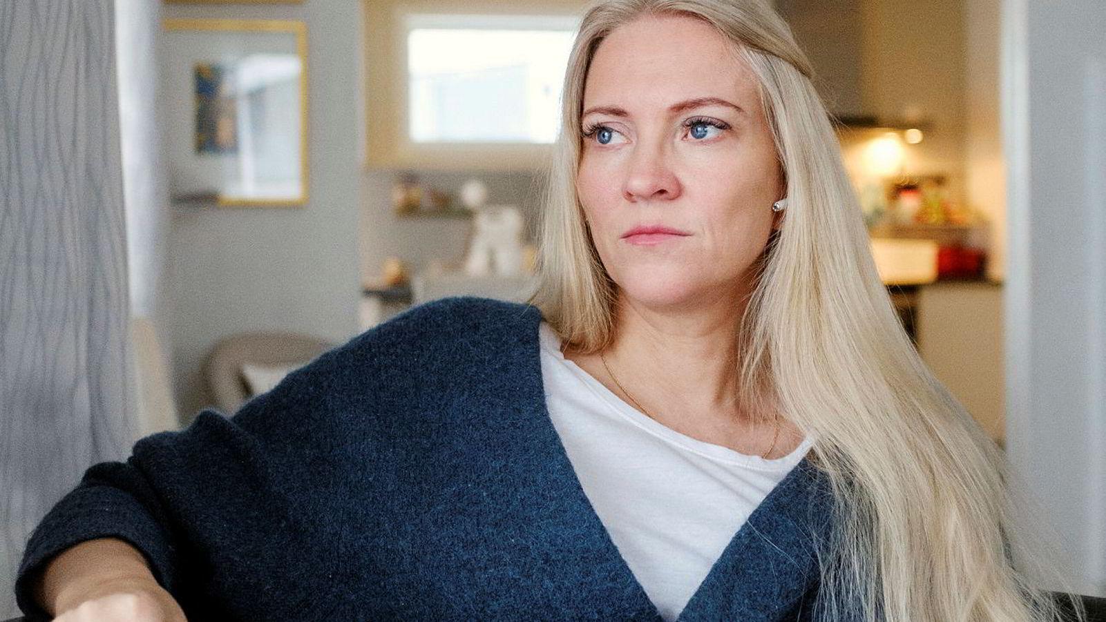 Lill Sverresdatter Larsen, forbundsleder i Norsk Sykepleierforbund mener helsepersonell fra Sverige må koronatestes før de begynner å jobbe i norske sykehus.