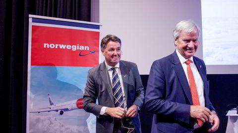 Noe av det siste Norwegian-gründer Bjørn Kjos (fra høyre) gjorde før han gikk av som toppsjef i fjor, var å gi noen utvalgte ledere klekkelig bonus tross milliardunderskudd. Blant annet til finansdirektør Geir Karlsen, som også må forsvare store honorarer til finansielle rådgivere.
