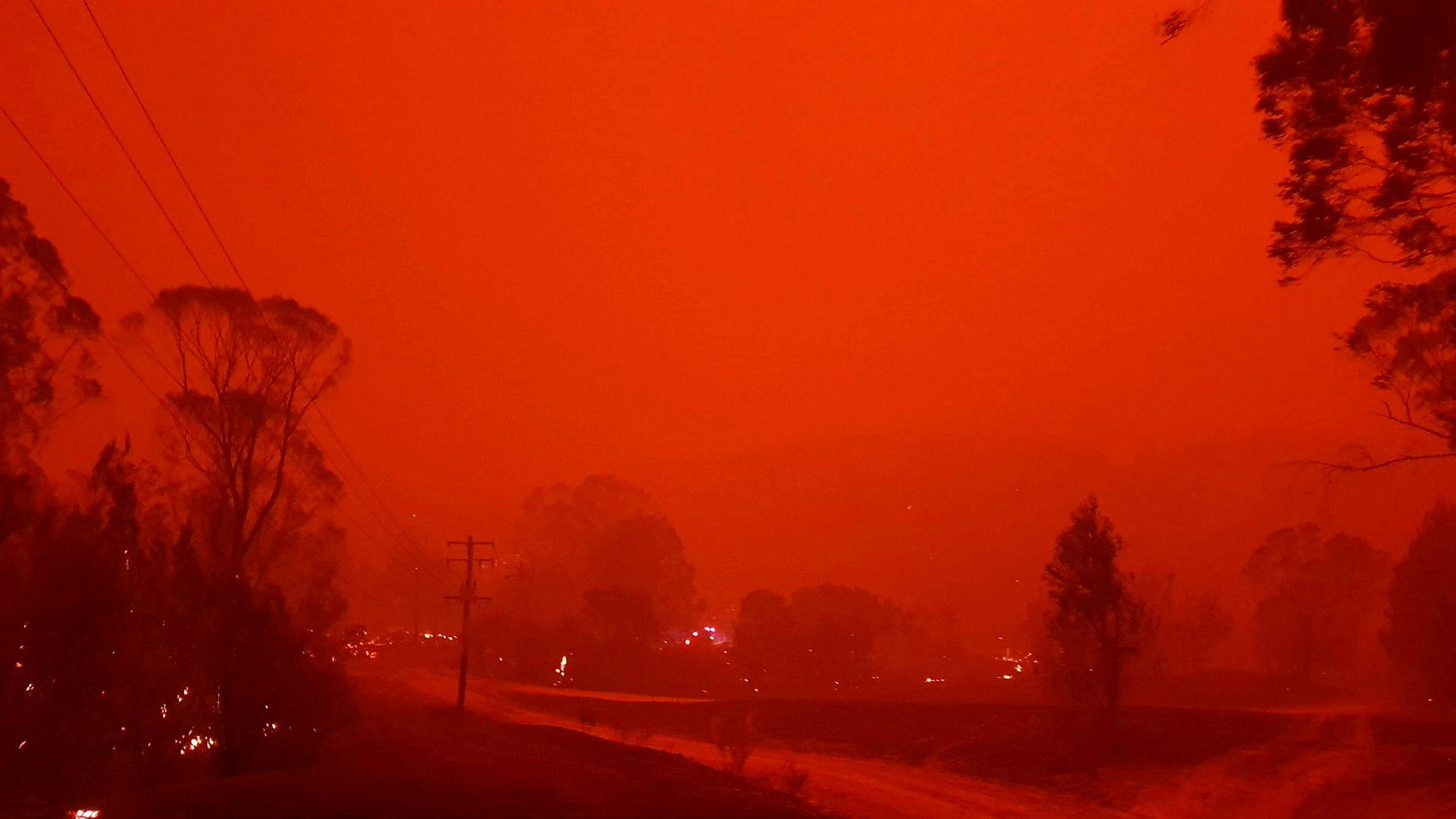 Australia brenner. Her fra småbyen Nerrigundah.
