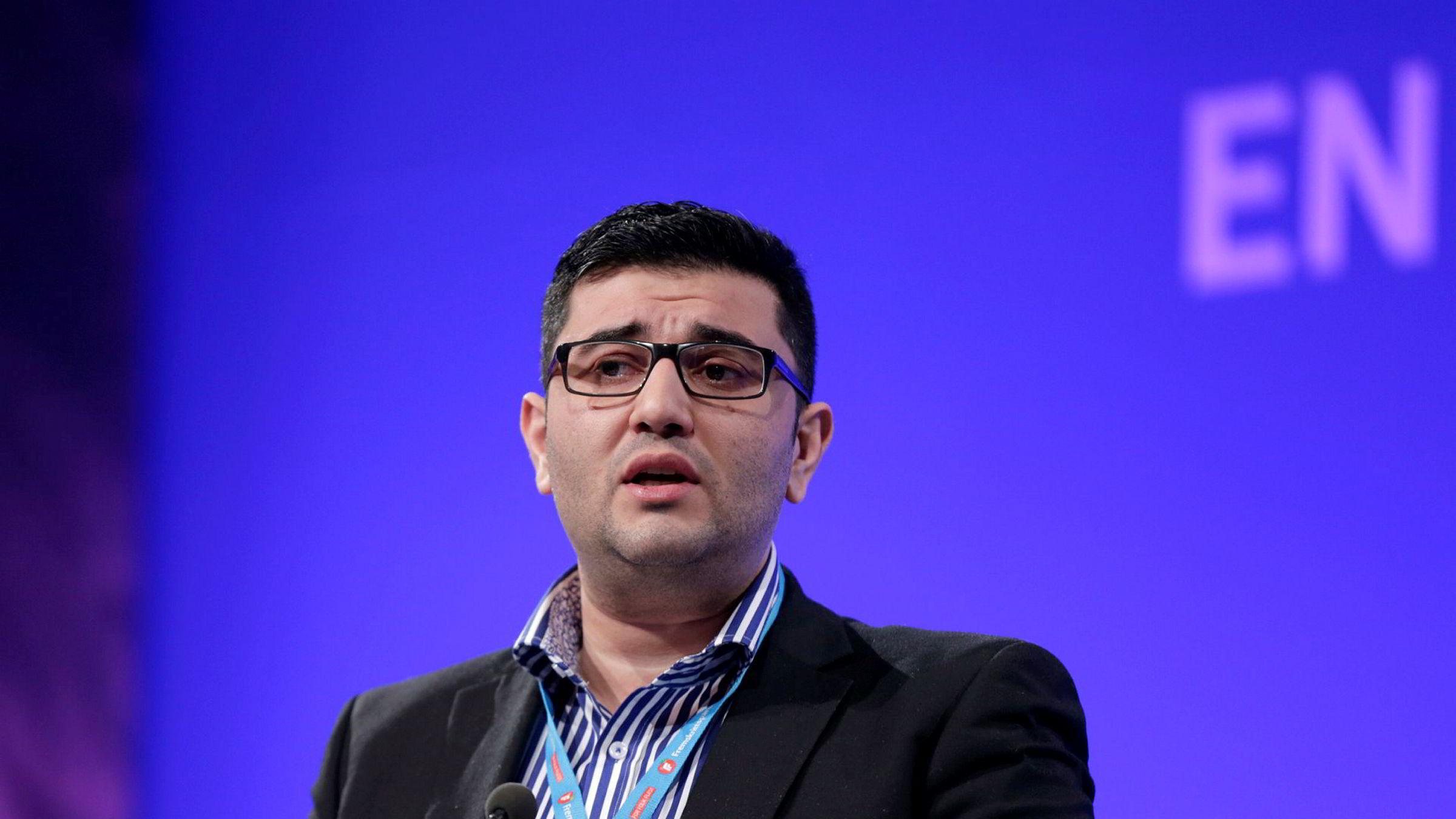 Mazyar Keshvari får ikke lønn i fengsel.