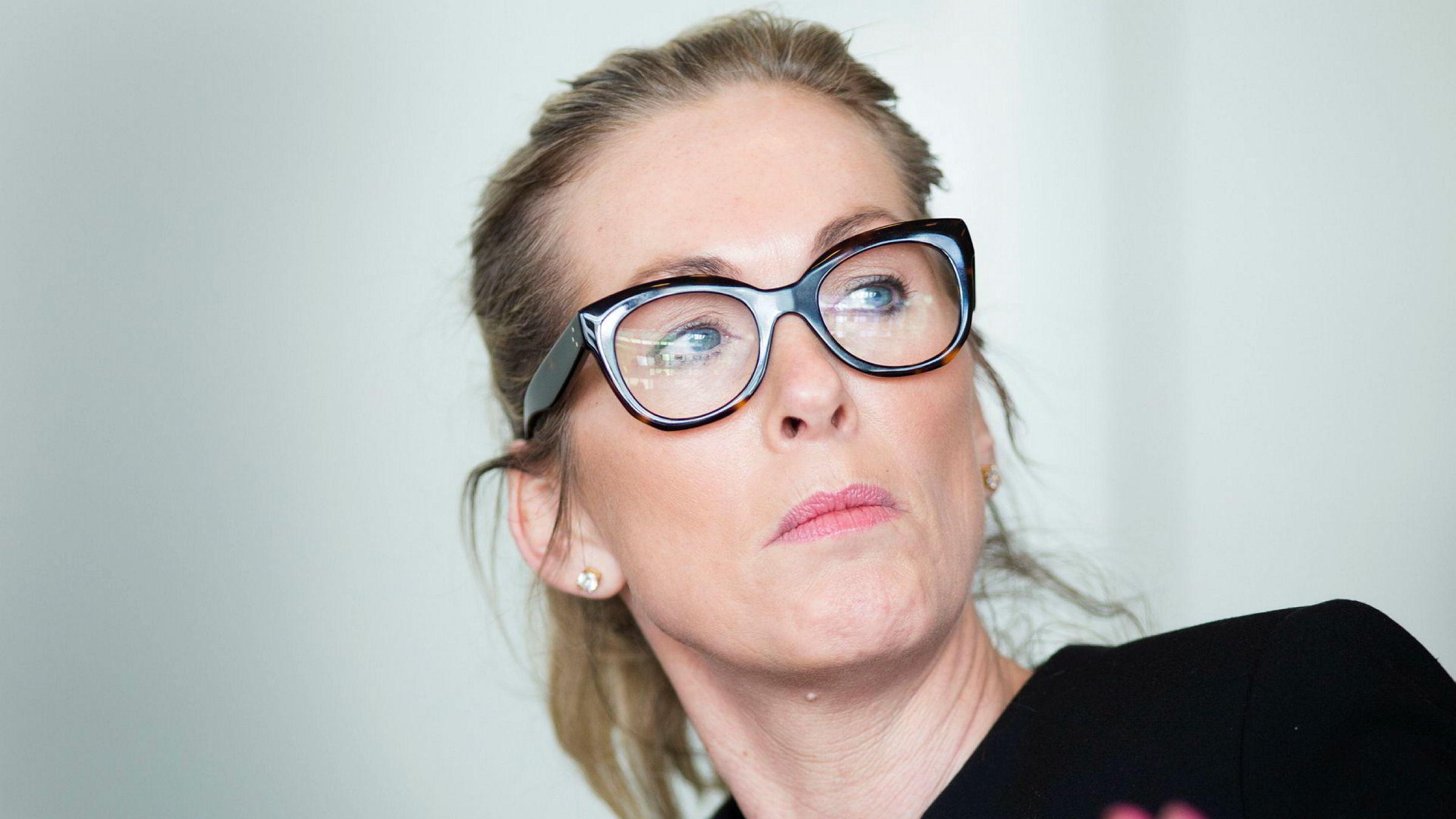 Innovasjon Norge-sjef Anita Krohn Traaseth er i hardt vær, men kan ha blitt reddet av næringsminister Torbjørn Røe Isaksen.