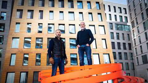 Motimate-gründerne Rolf Risnes (t.v.) og Lars-Petter Windelstad Kjos sitter igjen med en gevinst på 25-30 millioner kroner hver, fordelt på kontanter og Kahoot-aksjer, etter at læringsappen Motimate ble solgt til Kahoot.