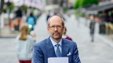 Jan Fougner har ledet utvalget bak rapporten om fremtidens arbeidsmarked. Den viser at hovedregelen om fast ansettelse står bemerkelsesverdig støtt.
