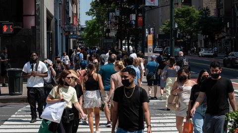 Den månedlige sysselsettingsrapporten som slippes fredag vil kunne gi en ytterligere indikasjon på hvor raskt det amerikanske arbeidsmarkedet bedrer seg. Her fra New York i begynnelsen av juni.