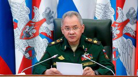 Russlands forsvarsminister Sergej Sjojgu anklaget tirsdag Ukraina for å prøve å destabilisere situasjonen i Øst-Ukraina. EU mener tvert imot det er Russland som provoserer ved å plassere 150.000 soldater langs grensen mot Ukraina.