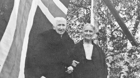 Hanna Brummenæs (til venstre) og Bertha Torgersen fylte ut flere blanke felter på kartet i sitt liv. Bildet er fra Arne Vestbøs sakprosabok «Brummenæs & Torgersen», som ble gitt ut tidligere i år.