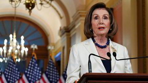 Nancy Pelosi og demokratene går videre med riksrettsprosessen mot president Donald Trump.