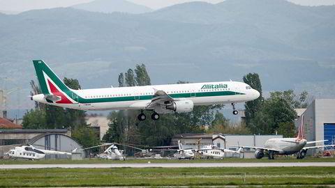 Alitalia hangler videre med støtte fra staten.