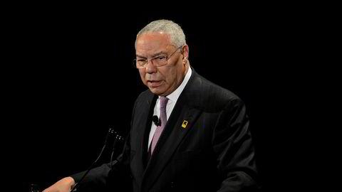 – Vi har en grunnlov. Vi er nødt til å følge den grunnloven. Og presidenten har beveget seg bort fra den, sier Clin Powell i et intervju med CNN.
