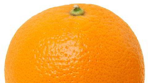 Skall. Da koronaviruset kom til Norge, forsøkte Aslak Gurholt å kjøpe ting som var mindre utsatt for smitte. Han kjøpte appelsiner i stedet for epler.