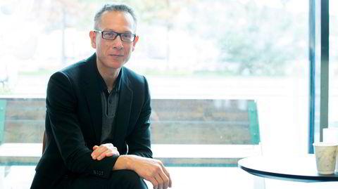 Forfatter Bart van Es har skrevet «Jenta med minneboken» i et forsøk på å komme til bunns i et familiemysterium.