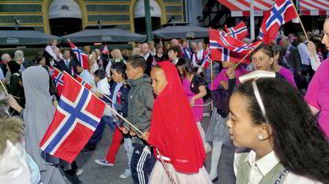 Oslo, Norge. Otto Snoek la raskt merke til hvordan feiringen av den norske nasjonaldagen handlet mer om barn enn om historiske figurer. – Denne endeløse paraden med skoleklasser. Det var gøy, sier Snoek