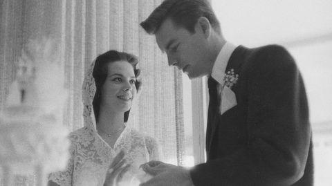 Natalie Wood var bare 19 år gammel da hun giftet seg med skuespillerkollegaen Robert Wagner.