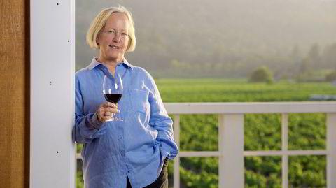 – Det er veldig viktig for meg å ha en alkoholprosent under 14 prosent i vinene mine, og det er en utfordring å få til det, særlig i varme år, forteller Cathy Corison.