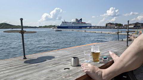 Økt svenskehandel og høyere sukkeravgifter har gitt bryggeriene en bitter ettersmak på starten av året, men de siste månedene har salget økt i takt med kvikksølvet.