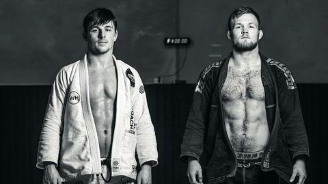 Mesternes mestere. De to norske brasiliansk jiu-jitsu-utøverne Espen Mathiesen (fra venstre) og Tommy Langaker er blitt verdenskjente, og slår til og med brasilianere i deres egen folkesport. – BJJ er på vei til å bli så stort at det snart blir fullt mulig å leve av det som atlet, sier Langaker.