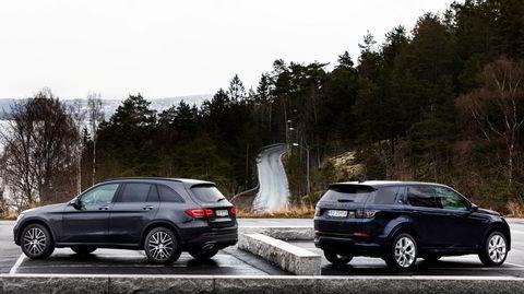 Mercedes har lenge laget en ladbar GLC, mens Land Rover Discovery Sport kommer med ledning for første gang.