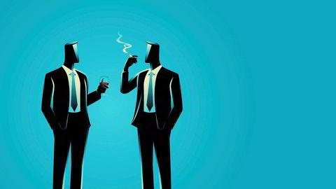 Ved sjefsskifter drar menn nytte av å få en mannlig leder, særlig hvis begge røyker, viser data fra en stor, internasjonal finansinstitusjon. Kvinner får ikke samme karriereboost om den nye sjefen er kvinne.