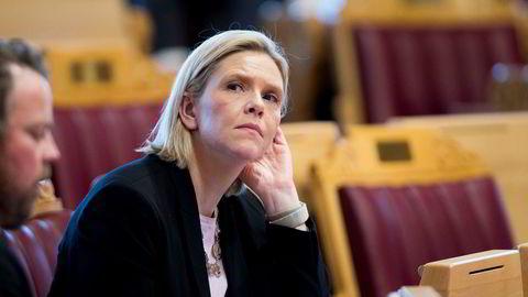 Sylvi Listhaug (Frp) åpner opp for regjeringssamarbeid med Senterpartiet.