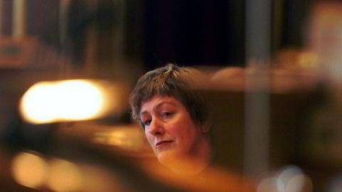 Ap-topp Guri Ingebrigtsen er død. Her fotografert da hun stilte i spørretime i Storting som sosialminister i 2001.
