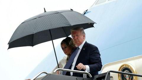 USAs president Donald og førstedame Melania Trump ankom fredag Newark utenfor New York etter besøket i Frankrike. Det første han gjorde var å anke kjennelsen fra Hawaii om innreiseforbud.