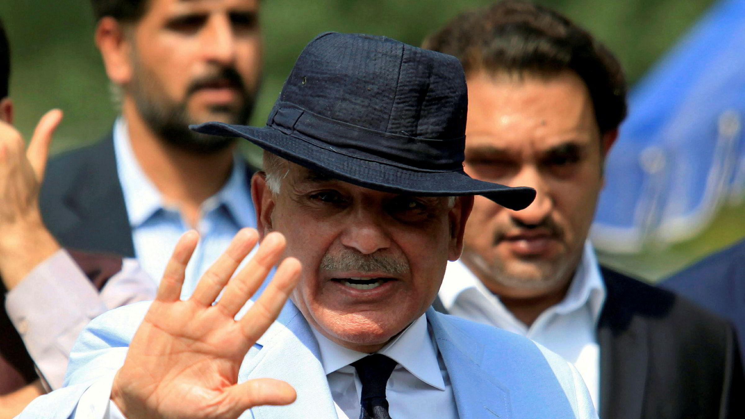 Nawaz Sharif ble avsatt som Pakistans statsminister i forrige uke. Han ønsker at hans bror, Shahbaz Sharif (bildet), blir utpekt til landets neste statsminister på tirsdag. – Dette er ikke demokrati, men en form for monarki, sier opposisjonsleder Imran Khan.