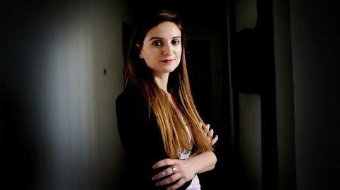 Korrupsjonsjeger. Dragana Peco (31) arbeider for det uavhengige nettstedet Krik, som stadig avdekker kritikkverdige forhold i Serbias styre og stell. Trusler og press er en del av hverdagen. – Det som er viktig for meg, er å få frem sannheten om politikerne og andre maktpersoner, sier hun