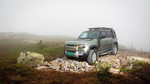 Land Rover Defender kjører deg til veis ende mer komfortabelt enn noen gang før.