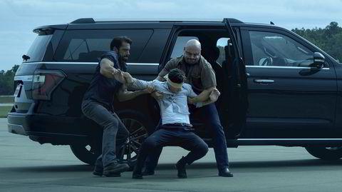 Netflix-serien «Ozark» beholder den bisarre småbystemningen i tredje sesong, der vi havner midt i en brutal krig mellom kriminelle organisasjoner og lokale innbyggere med egen agenda.