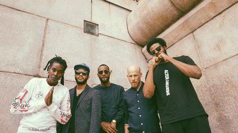Det meget heftige, amerikanske jazzbandet Irreversible Entaglements gir bakoversveis med albumet «Who Sent You?».