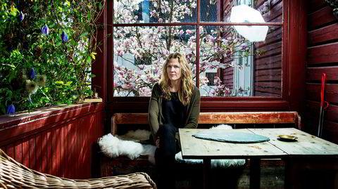 Åsne Seierstad, journalist og forfatter avbildet i sitt hjem på Frogner på Oslo vest. Det var før hun flyttet til Valleløkken.
