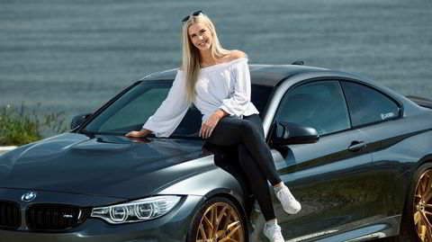 Mitt kjøretøy med Charlotte Jacobsen og hennes BMW M4.