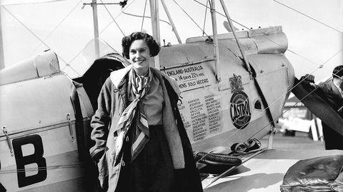 På sin banebrytende soloflyvning fra England til New Zealand i 1936 satte Jean Batten rekord. Hun nådde Darwin i Australia 24 timer raskere.