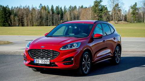 Den nye generasjonen Ford Kuga har en rundere front og har vokst i de fleste retninger. I tillegg kommer den som ladbar hybrid med ok rekkevidde.
