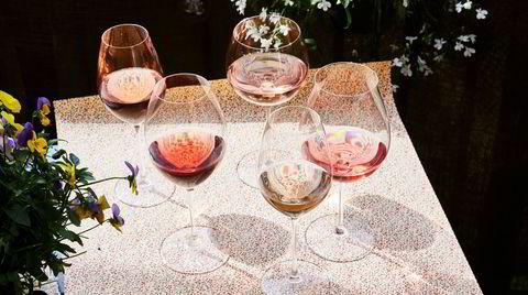 Fire nyanser av rosa. Variasjonen blant rosévin er enorm.