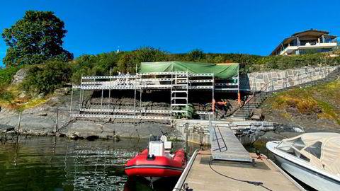 Dette arbeidet foregikk i strandsonen på Øystein Stray Spetalens eiendom i Bygdøynesveien 25 i slutten av august, ifølge Plan- og bygningsetaten i Oslo.