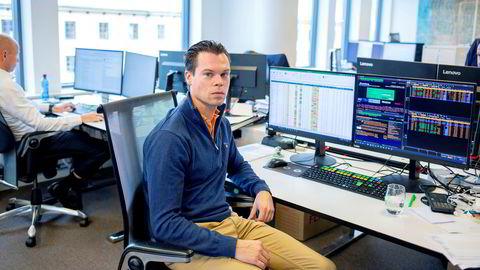 Porteføljeforvalter Thomas Nielsen satser alt på «verstingaksjer» i DNs aksjespill Fantasyfond. I virkeligheten er strategien hans en helt annen.